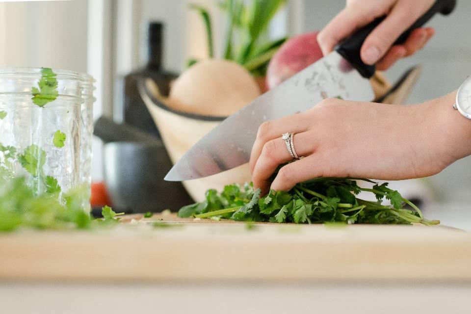 Le Particulier par l'Abeille | Courses & repas à domicile pour particulier